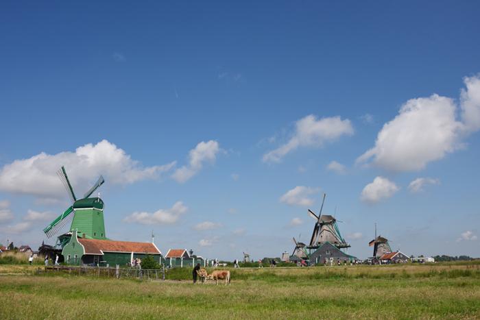 死ぬまでに行きたい世界の絶景!オランダ風車村ザーンセ・スカンス写真アップ!_e0171573_059660.jpg