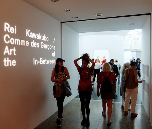 メトロポリタン美術館で川久保玲さんの特別展:プロローグ_b0007805_21162372.jpg