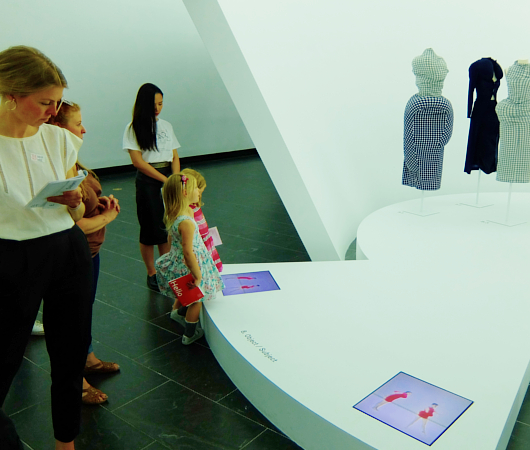 メトロポリタン美術館で川久保玲さんの特別展:プロローグ_b0007805_21175212.jpg