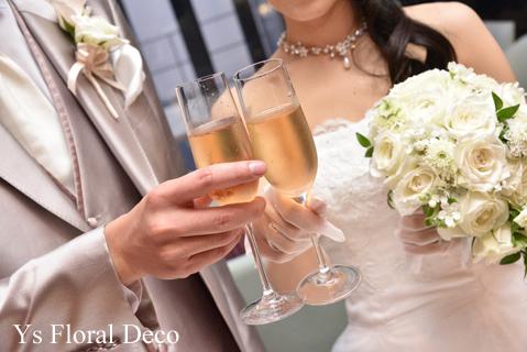白グリーンのティアドロップブーケ & サプライズ花束 二次会へ_b0113510_16353025.jpg