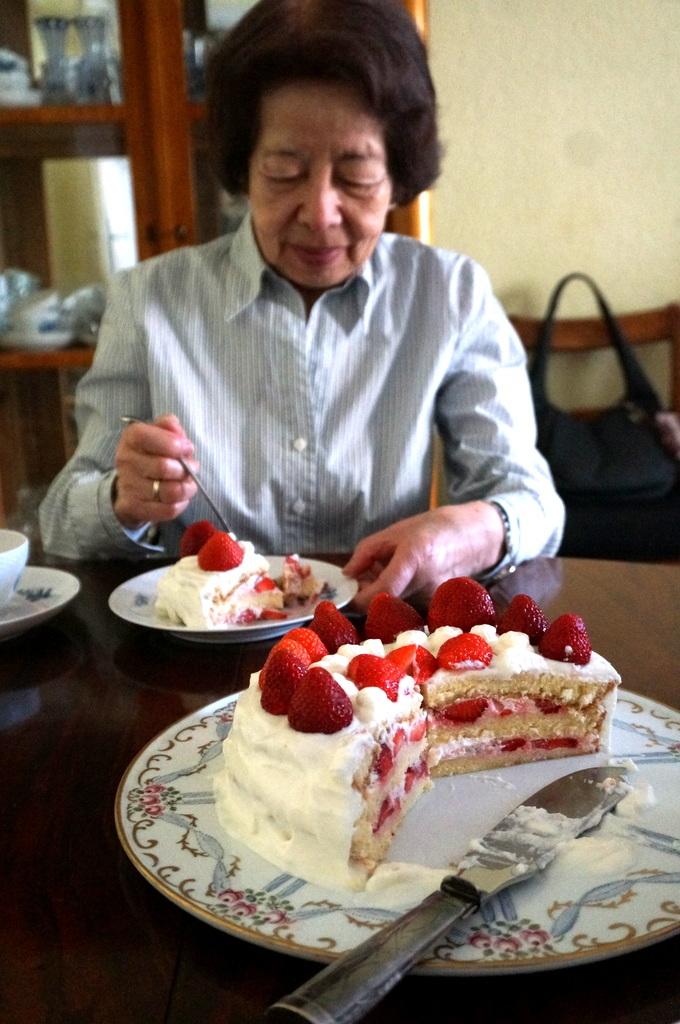 6月3日は母の誕生日でした。_c0180686_03114843.jpg