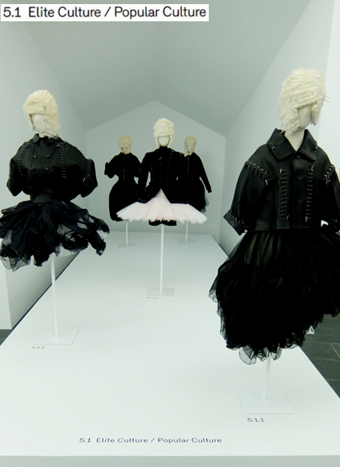 Kawakubo's collections: 3. Fashion/Antifashion; 4. Model/Multiple; 5. High/Low_b0007805_1335459.jpg