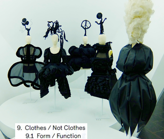 Kawakubo's collections: 9. Clothes/Not Clothes (9.5 Fact/Fictionまで)_b0007805_4121166.jpg