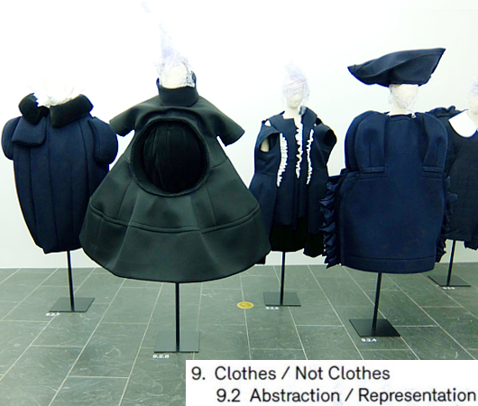 Kawakubo's collections: 9. Clothes/Not Clothes (9.5 Fact/Fictionまで)_b0007805_4123558.jpg