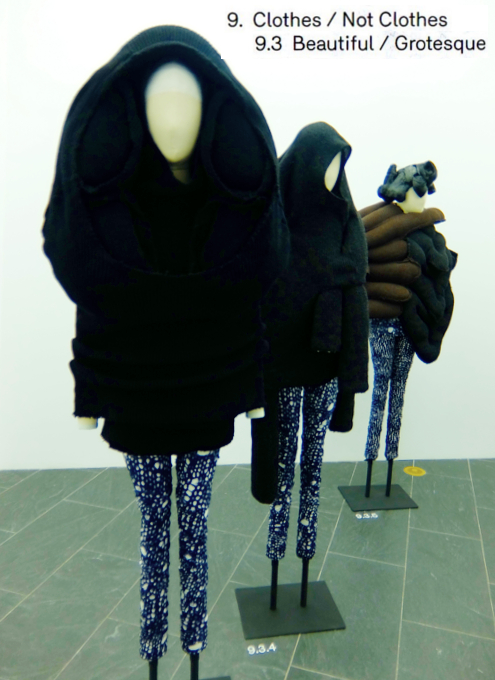 Kawakubo's collections: 9. Clothes/Not Clothes (9.5 Fact/Fictionまで)_b0007805_413222.jpg