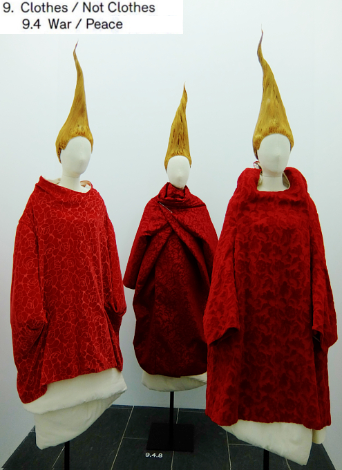 Kawakubo's collections: 9. Clothes/Not Clothes (9.5 Fact/Fictionまで)_b0007805_414593.jpg