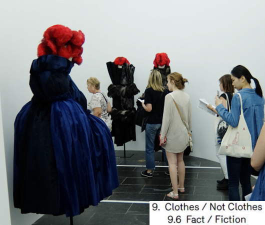 Kawakubo's collections: 9. Clothes/Not Clothes (9.5 Fact/Fictionまで)_b0007805_4155071.jpg