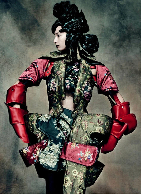 Kawakubo's collections: 9.7 Order/Chaos; 9.8 Bound / Unbound_b0007805_625613.jpg