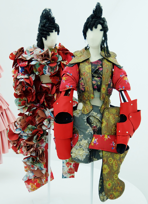 Kawakubo's collections: 9.7 Order/Chaos; 9.8 Bound / Unbound_b0007805_695238.jpg