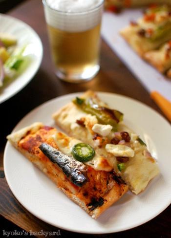 お洒落食材の自家製ピザ2種類_b0253205_04043886.jpg