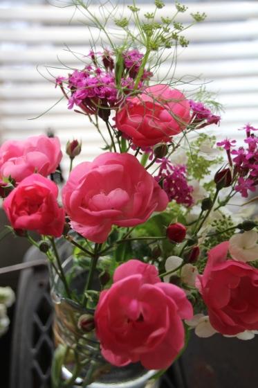 花だらけ_b0132338_08222455.jpg
