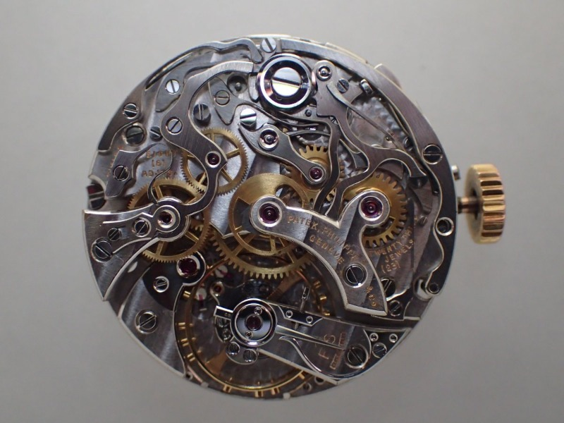 The 130RG Chronograph is being on maintenance by a watchmaker._c0128818_12284276.jpg