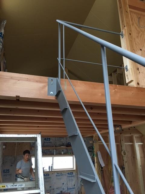 階段の手摺_c0201749_16215722.jpg