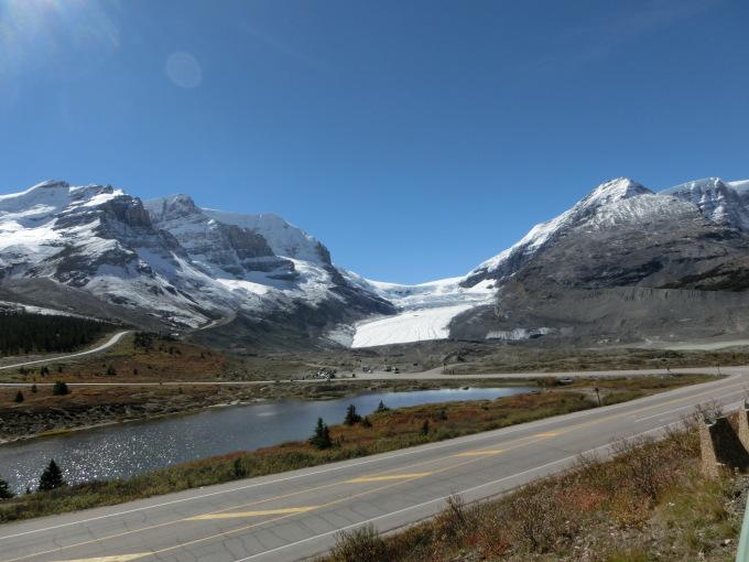 アサバスカ氷河を満喫:カナダ・バンフ国立公園_c0155158_15562243.jpg