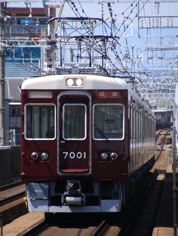 阪急7001F 返却回送_d0202264_1723483.jpg
