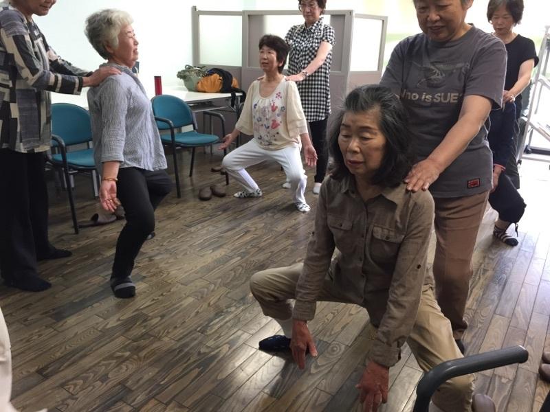 体操とカラオケ教室_c0113948_14473087.jpg