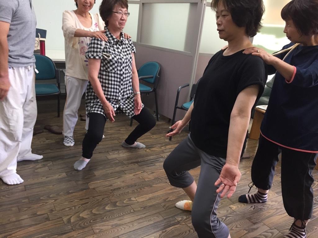 体操とカラオケ教室_c0113948_14473897.jpg