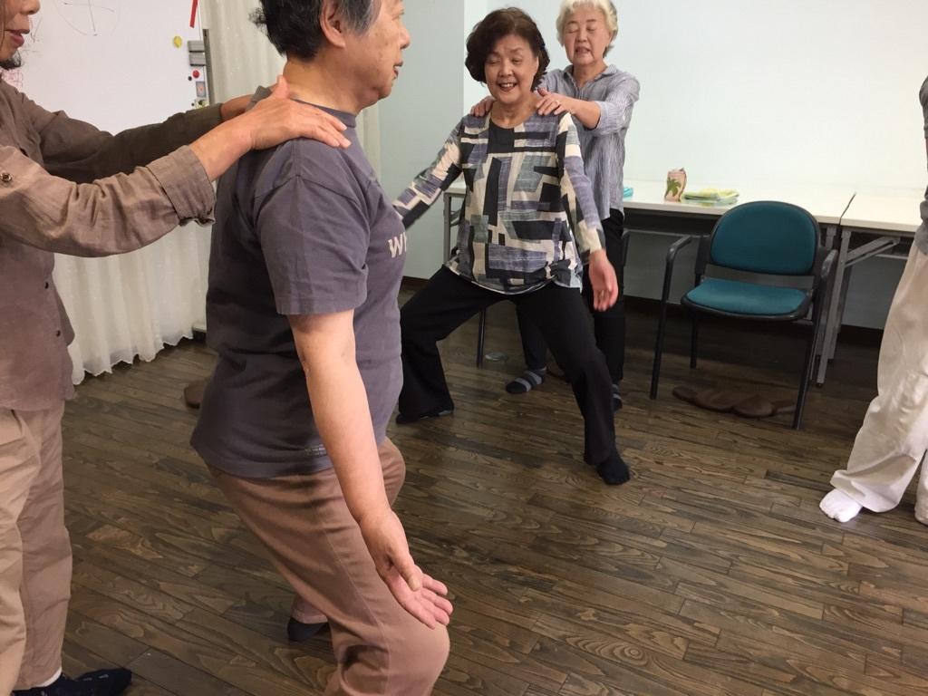 体操とカラオケ教室_c0113948_14474512.jpg