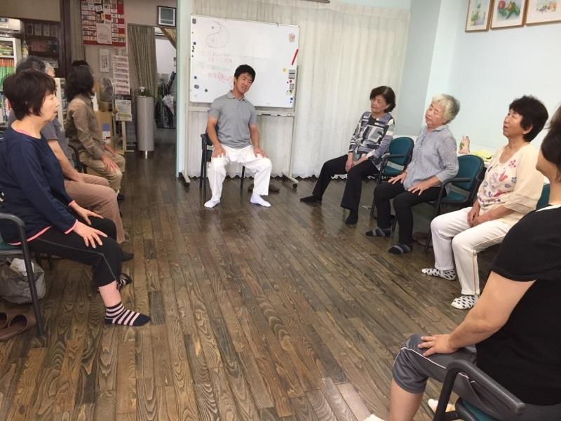 体操とカラオケ教室_c0113948_14475477.jpg