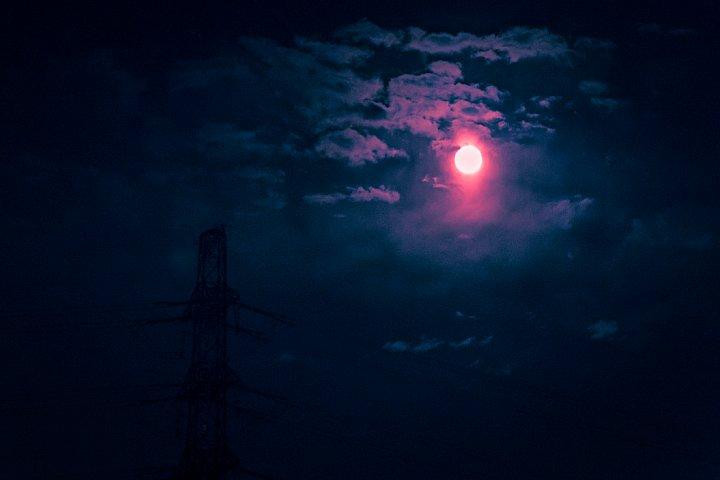 "How high the \""strawberry\"" moon_d0353489_212816100.jpg"