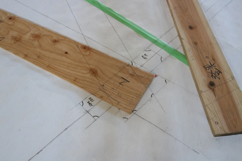 二ツ井道の駅:木造トラスの原寸_e0054299_10520584.jpg