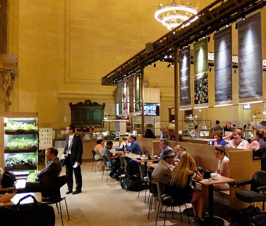 グランドセントラル駅構内の「グレート・ノーザン・フード・ホール」 The Great Northern Food Hall_b0007805_22401559.jpg