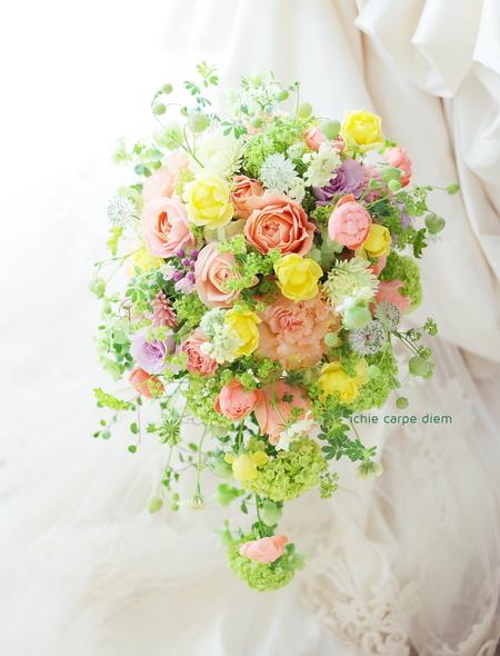 クラッチブーケ パークハイアット東京様へ 夢 カラーと白バラだけで _a0042928_12444012.jpg