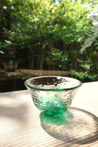 ガラスのぐい呑み_a0197730_22102645.jpg