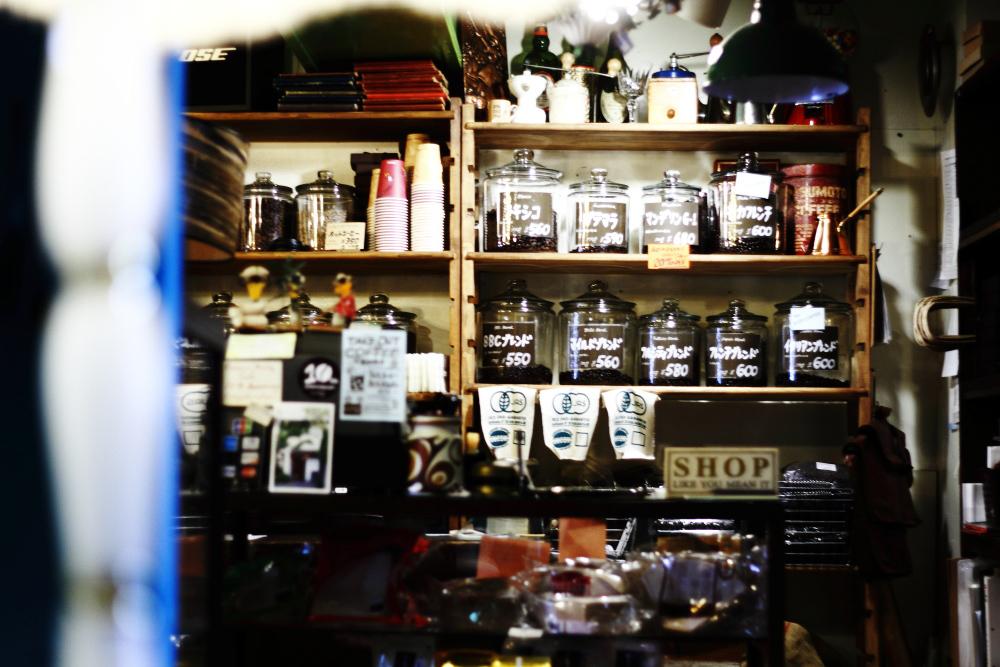 本物のコーヒーは全自動のコーヒーメーカーで淹れるものだと、僕は信じていた_b0103470_04473768.jpg