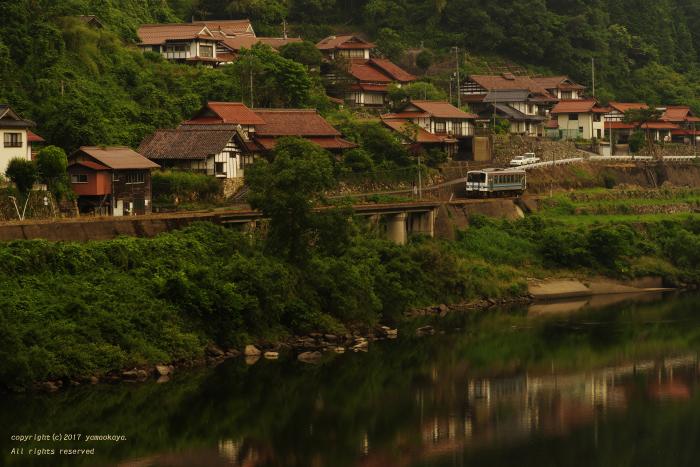 川沿いの集落に沿って_d0309612_19531798.jpg