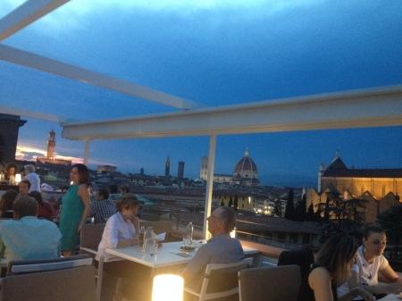 フィレンツェで一番予約しにくいアぺリティーボ_a0136671_02052887.jpg