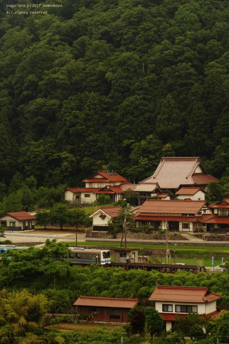 小さな駅の朝に_d0309612_21532698.jpg