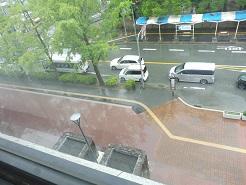 市役所前東側の築山撤去でイベントスペースに変身_c0133422_14302331.jpg