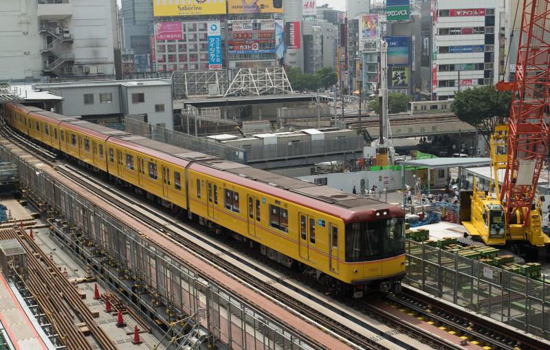 Metro   ・・・工事中・・・_f0333031_06482220.jpg