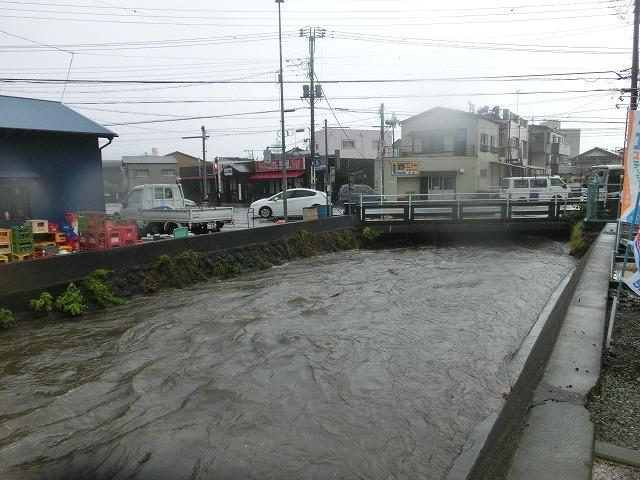 昨日の大雨、被害は? 今日は早速確認しなければ_f0141310_07491054.jpg