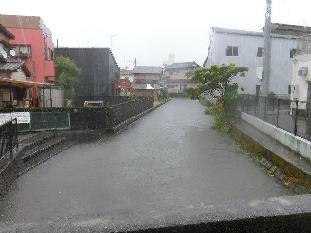 昨日の大雨、被害は? 今日は早速確認しなければ_f0141310_07494833.jpg