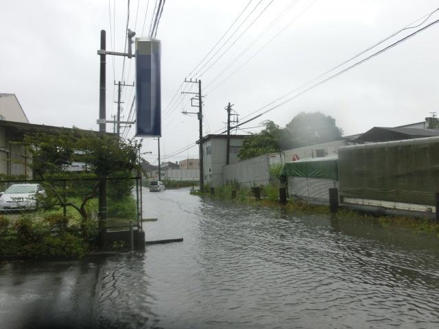 昨日の大雨、被害は? 今日は早速確認しなければ_f0141310_07534632.jpg