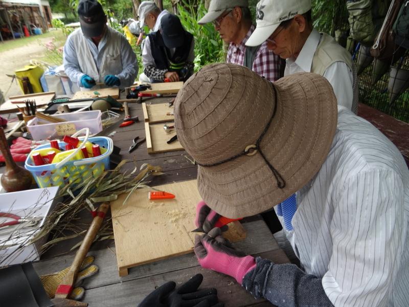 竹製トンボのクラフト・・・うみべの森_c0108460_21391649.jpg