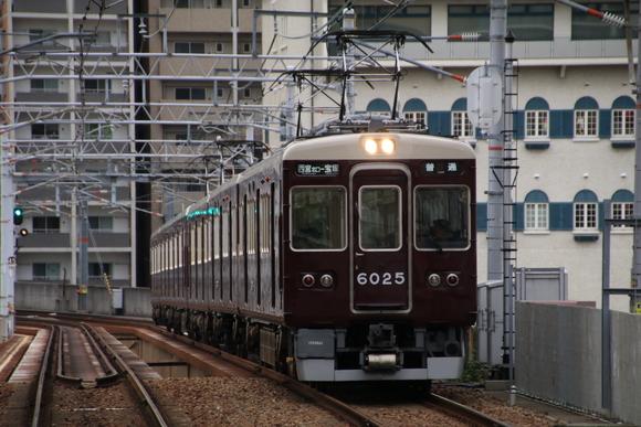 阪急6025F 宝塚南口駅にて!_d0202264_19364596.jpg