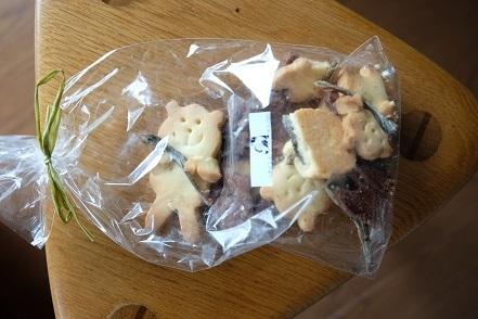 美味しいお土産「クッキー」「水羊羹」「スパークリングワイン」_f0362073_10181221.jpg