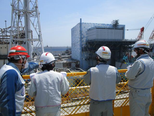 特別委員会、東電への申し入れ事項検討へ_e0068696_16514152.jpg