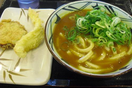 丸亀製麺 『カレーうどん』_a0326295_1941234.jpg