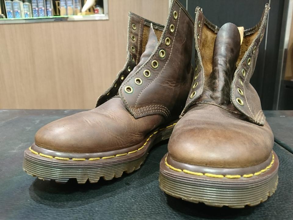 靴ひもを通す穴についている緑色の正体_b0226322_17135438.jpg