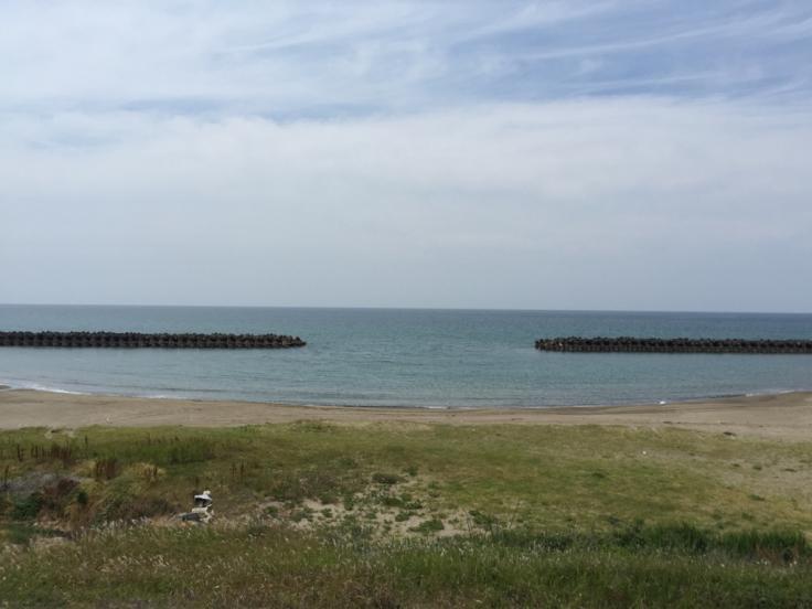 海辺でキスする男_c0113733_02483382.jpg