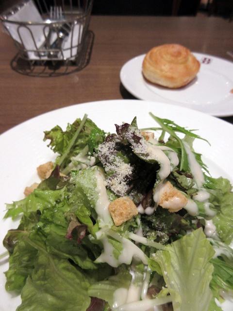 【BAQET】プレミアムハンバーグとパン食べ放題_b0009849_16523533.jpg