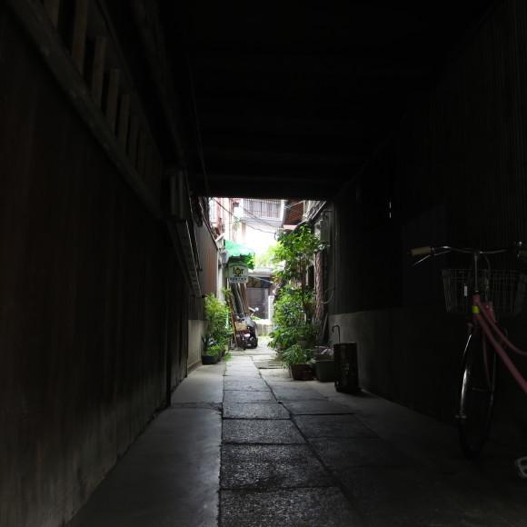 アンリカルティエブレッソン展に行くのにわざわざ遠くの駅から歩いたよという記事 8_c0001670_16472894.jpg