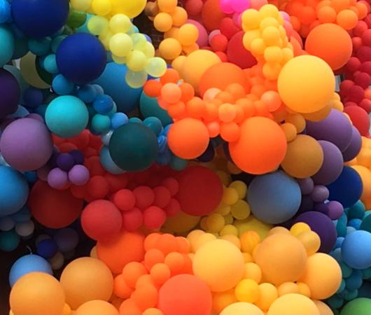 NYに登場した1万個の風船を使ったアート作品 by Geronimo Balloons_b0007805_10592924.jpg
