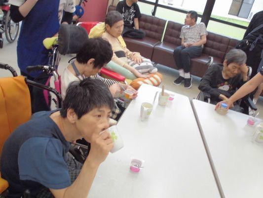 6/25 日曜喫茶_a0154110_09351435.jpg