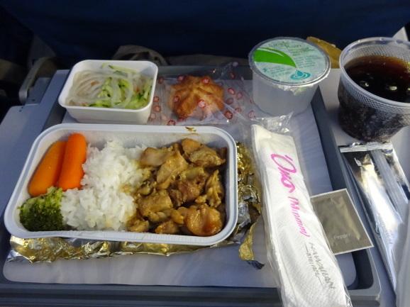ハワイ2017 その16 空港ラウンジと機内食_e0230011_17120394.jpg
