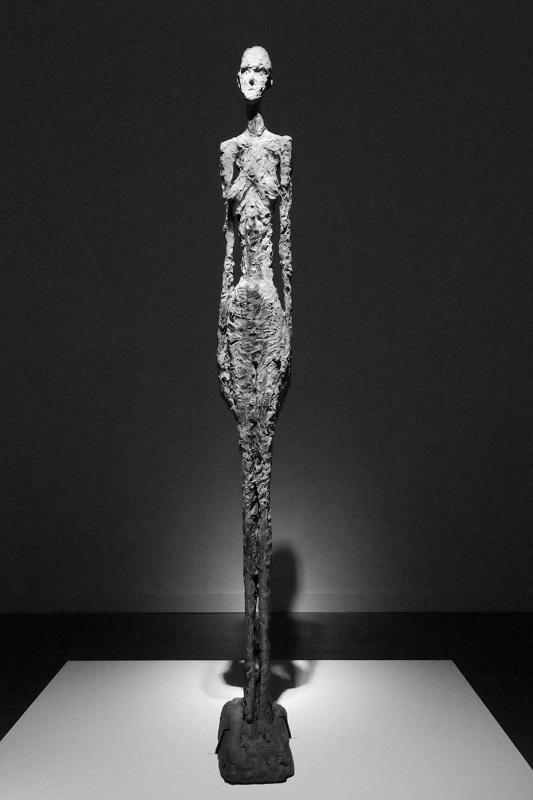 スイス生まれの彫刻家_e0364223_21464250.jpg